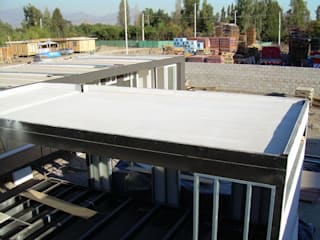 Prefabricated home by Constructora Las Américas S.A., Mediterranean