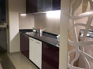 3 bhk home at Lodha palava Dombivli Classic style kitchen by Trident Designs Classic
