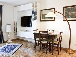 Spazio soggiorno: Soggiorno in stile in stile Moderno di Archihouse