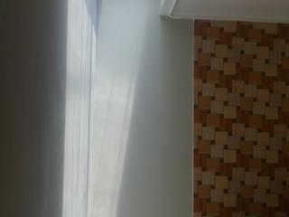 Rumah Glodok:  Dinding by Dekapolis Design