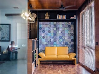 Interior:  Living room by WeBe Design Lab