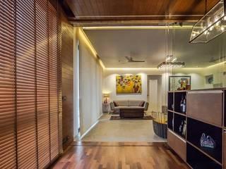Interior:  Corridor & hallway by WeBe Design Lab