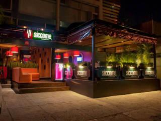 DISEÑO Y ARQUITECTURA RESTAURANTES Terraza Siccome Gdl, Jal, Mex.: Restaurantes de estilo  por B&Ö Arquitectura interior y muebles | Diseño de bares y restaurantes / Interiorismo y Decoración México.