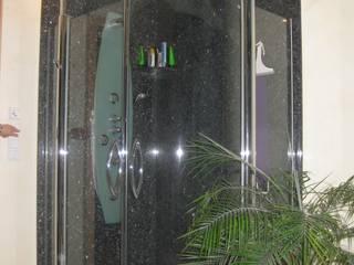 Duschverkleidungen und Duschtassen aus Granit:  Badezimmer von Natursteindesign Rompf