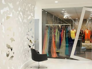 Boutique retail store design in modern style Modern offices & stores by Rhythm And Emphasis Design Studio Modern