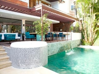 Terrasse de style  par Ornella Lenci Arquitetura, Rustique
