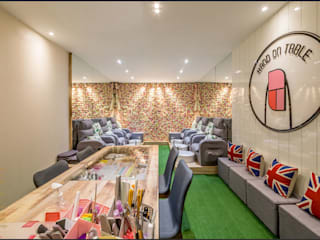 Nail and Beauty Salon in Holiday Plaza by Enrich Artlife & Interior Design Sdn Bhd Eclectic