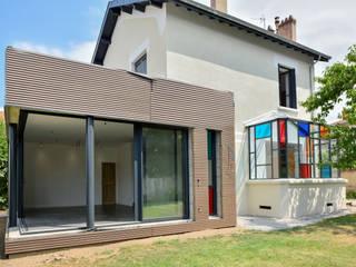 Un monde de couleurs Maisons modernes par Rénow Moderne