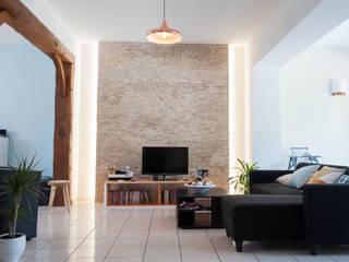Séjour: Salon de style de style Moderne par One look inside