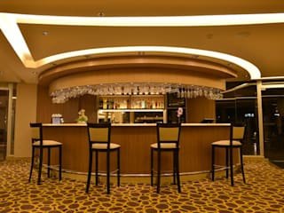 GS TALLER DE ARQUITECTURA Eclectic style hotels Amber/Gold