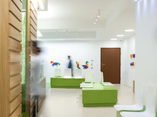 Modern clinics by M2Bstudio Modern