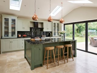 Canterbury | A Vision In Green Davonport KitchenCabinets & shelves Green