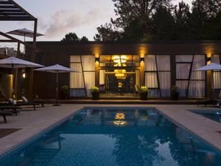Piscina: Piscinas de estilo moderno por MSA Arquitectos