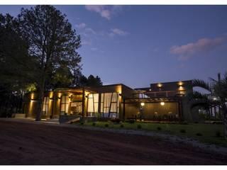 Vista nocturna: Casas de estilo  por MSA Arquitectos