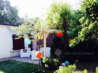 Zadaszenie ogrodowe: styl , w kategorii Taras zaprojektowany przez Zakład Stolarski Poznań