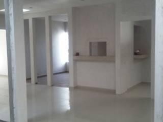 CLINICA DENTAL Estudios y despachos modernos de DALSE Construccion & Remodelación Moderno