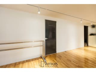 Modern style doors by WITHJIS(위드지스) Modern