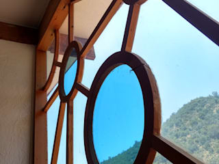 Ventanas de madera - Vitrales Mosaico: Casas de estilo  por Construyendo Reciclando
