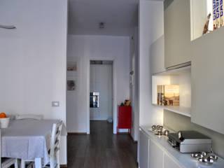 Fil Rouge BAGUA Ingresso, Corridoio & Scale in stile moderno