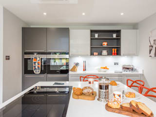 Mr & Mrs A-C, Ottershaw Raycross Interiors Built-in kitchens Grey