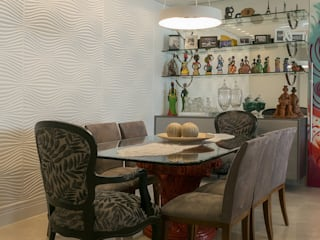 Eclectic style dining room by PB Arquitetura Eclectic