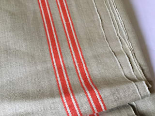 Vintage Linen Continental Table runner. Rural Retro 家居用品布織品