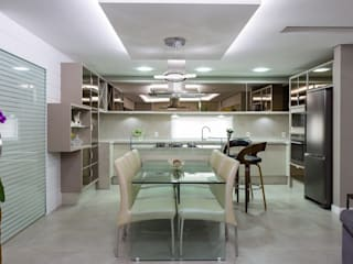 Living Urbano de Praia: Salas de jantar  por Mais Art & Design,