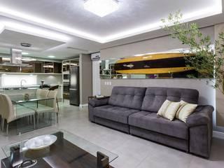 Living Urbano de Praia: Salas de estar  por Mais Art & Design,
