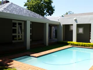 Exterior Facade Renovation: classic Pool by Stacy Steel Works and Renovations