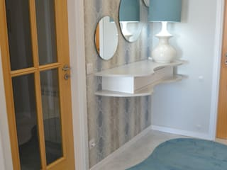 Apartamento de férias com frescura do mar Corredores, halls e escadas modernos por Victor Bertier Design Moderno