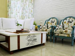 1 BHK Apartment of Mrs Divya Kumari Bangalore Country style living room by Cee Bee Design Studio Country