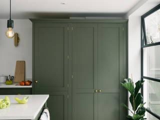 deVOL Kitchens Modern kitchen Solid Wood Green