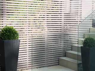 Modern Garden:  Garden by Landscaper in London