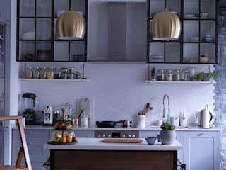 Ivy's Design - Interior Designer aus Berlin 系統廚具 木頭 Purple/Violet