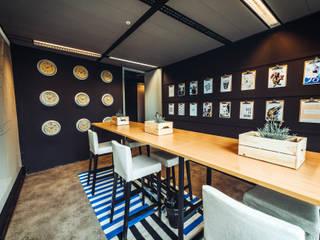 Bridge Building in Amsterdam – rent24 :   von Ivy's Design - Interior Designer aus Berlin