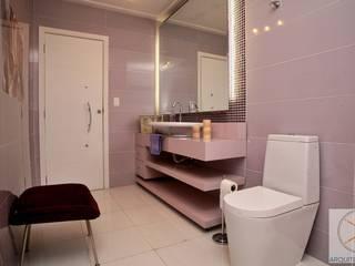 Banheiro Sophia : Banheiros  por Cassia Espada Arquitetura e Interiores