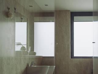 Modern Bathroom by miguel lima amorim - arquitecto - arquimla Modern