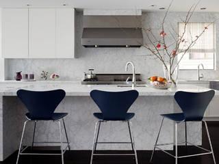 Bí quyết kết hợp màu sắc cho nhà bếp hiện đại 2018: scandinavian  by Thương hiệu Nội Thất Hoàn Mỹ, Bắc Âu