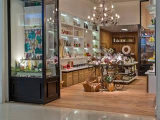 Projeto Comercial : Lojas e imóveis comerciais  por Del Nero Da Fonte Arquitetura