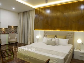 A sky villa with royalty and luxury KREATIVE HOUSE Modern style bedroom Solid Wood Beige