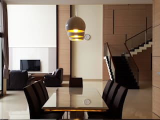 Minimalist dining room by Likha Interior Minimalist