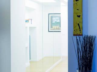 L'ingresso: Ingresso & Corridoio in stile  di VITAE DESIGN STUDIO