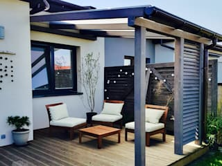 WOODBUD Balcon, Veranda & Terrasse modernes Bois Gris
