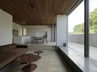 Puertas y ventanas de estilo moderno de U建築設計室 Moderno