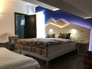 GARNI ROBERTA: Hotel in stile  di Studio Stefano Pediconi
