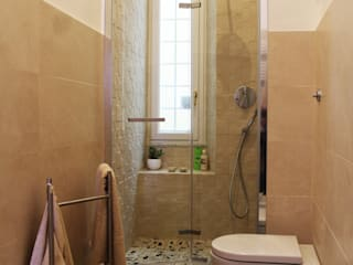 Grippo + Murzi Architetti Modern bathroom Ceramic
