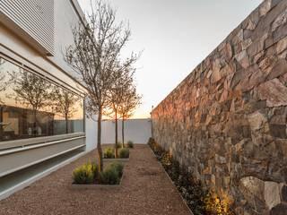 Loyola Arquitectos Moderner Garten