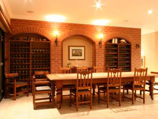 Bodegas de vino de estilo colonial de homify Colonial Ladrillos