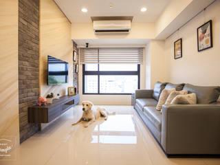 晴天娃娃-20坪小而美的混搭公寓:  客廳 by 酒窩設計 Dimple Interior Design