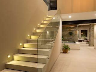 by Loyola Arquitectos Modern